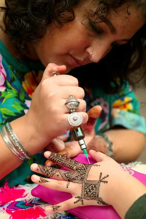 Hand of fatima Henna Academy diploma uitreiking foto.jpg
